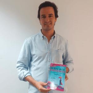 Santiago Benjumea ya tiene su GuíaBurros: El arte de la prudencia
