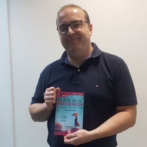 Sergio Cardona ya tiene su GuíaBurros: El arte de la prudencia